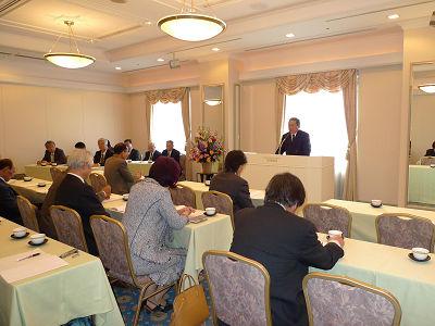 愛知県市場協組の総会で井上稔理事長があいさつ