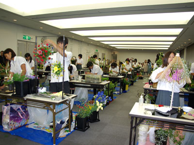 エクセレンスがフラワーコンテスト高校生大会。「日本の美」をテーマに腕を競う