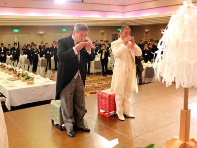 全国の関係者が見守る中、岐阜花き流通センターと取引市場の結婚式